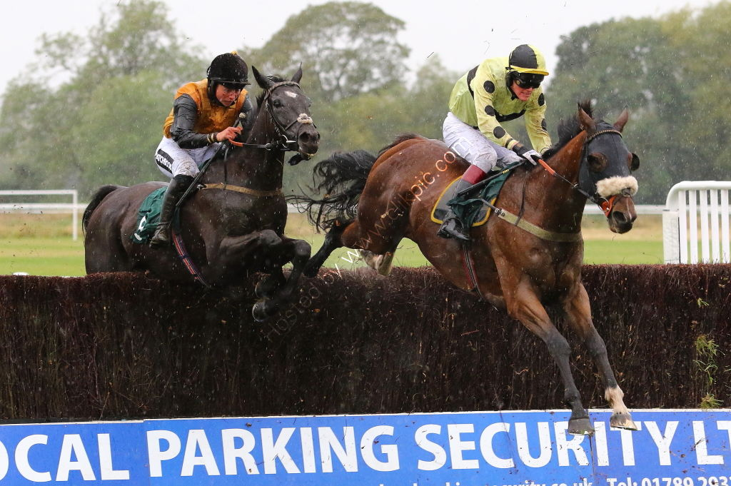 Racing TV Handicap Chase.