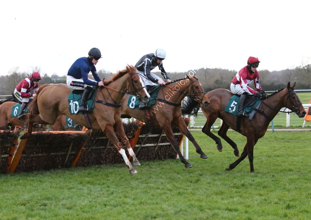 Racing TV H'cap Hurdle.