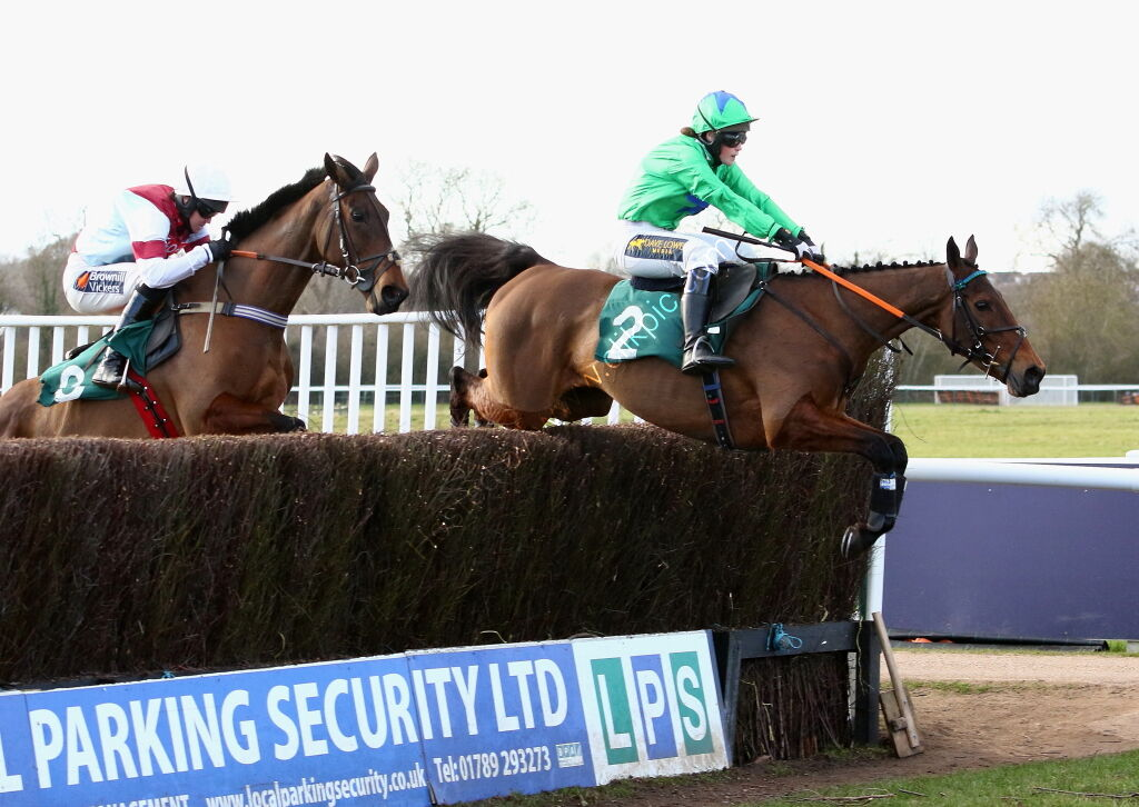 Racing TV Mares' H'cap Chase.