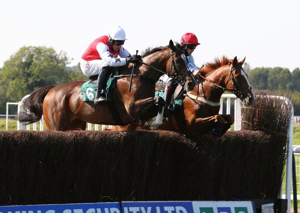 racingtv.com Nov H'cap Chase