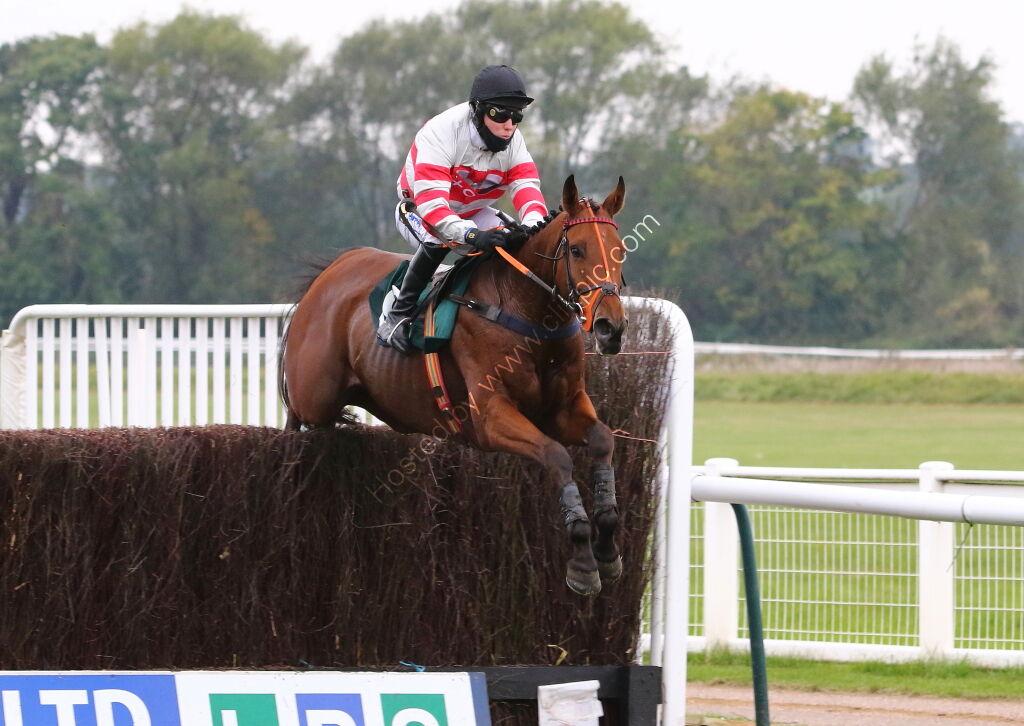 Racing TV Conditional Jockey's Handicap Chase.