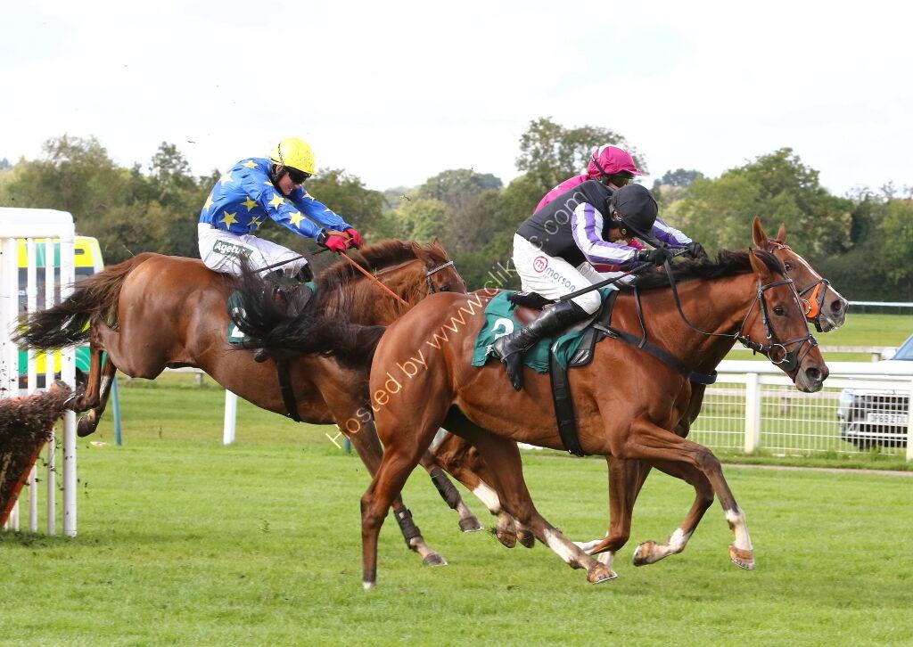 Racing TV Maiden Hurdle.