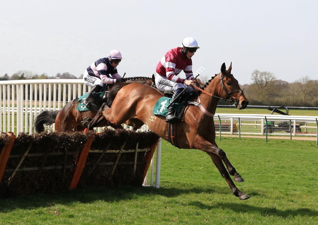 Racing TV Maiden Hurdle