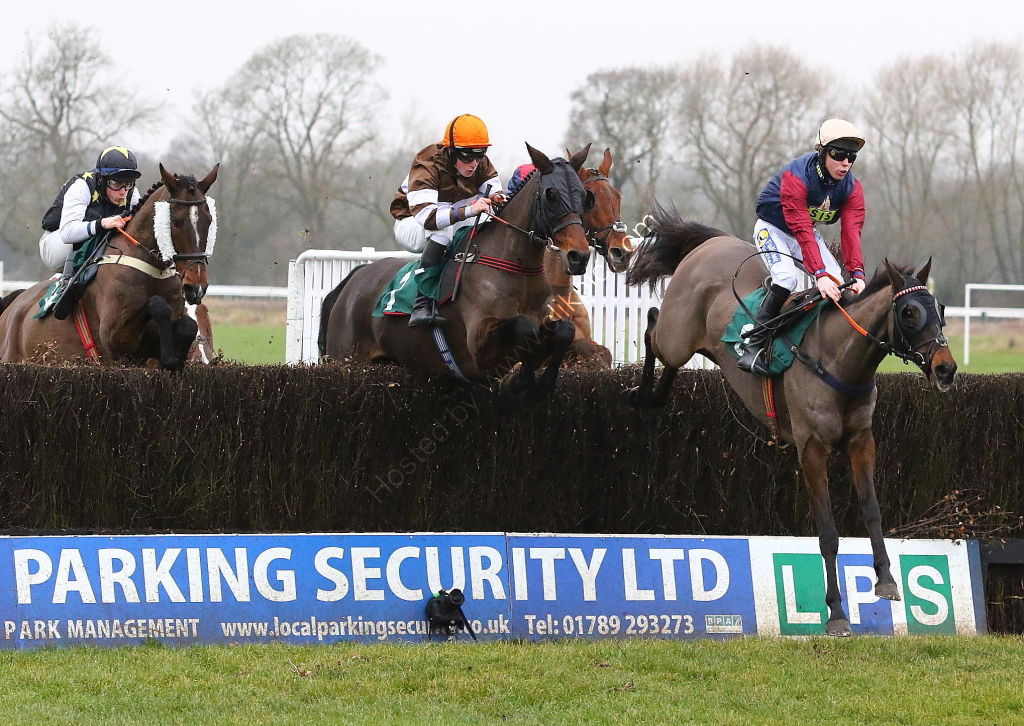 Local Parking Security Conditional Jockeys' Veterans' H'cap Chase.