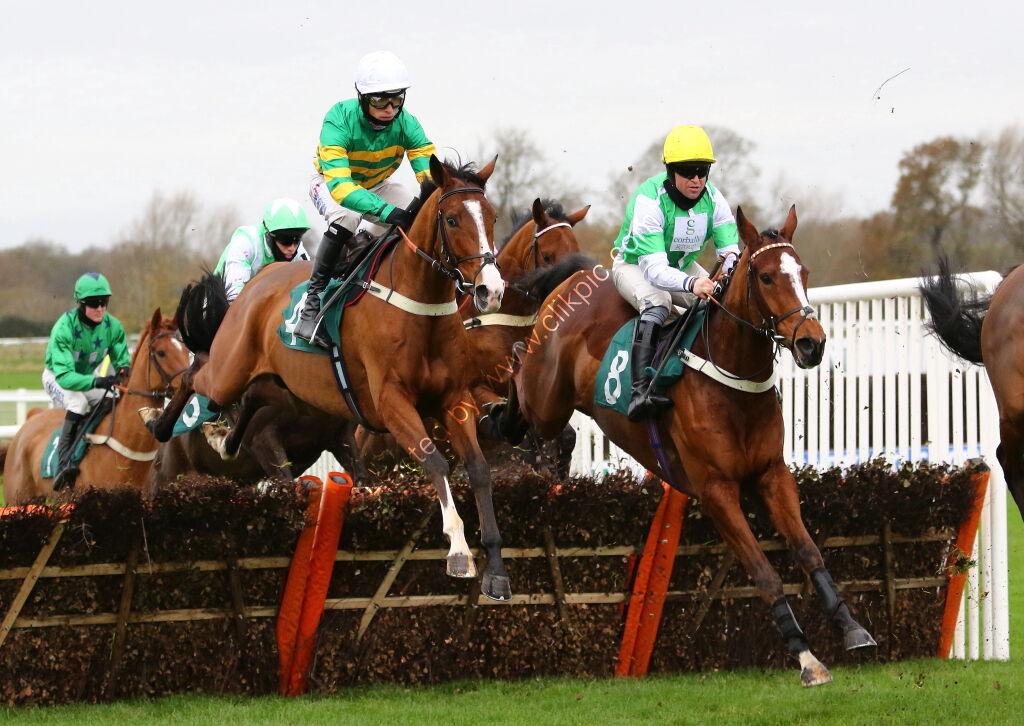Racing Tv NH Novices' Hurdle