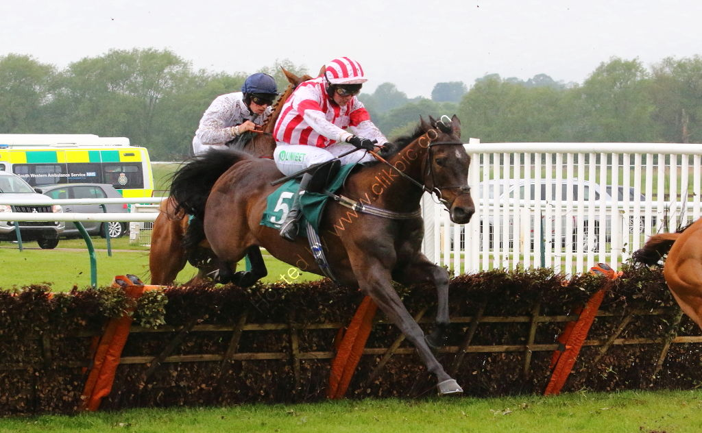 Proudland Novices Hurdle