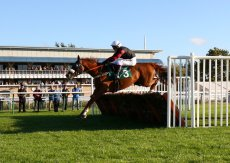 ROA/Racing Post Owners'Jackpot Mares' H'cap hurdle.