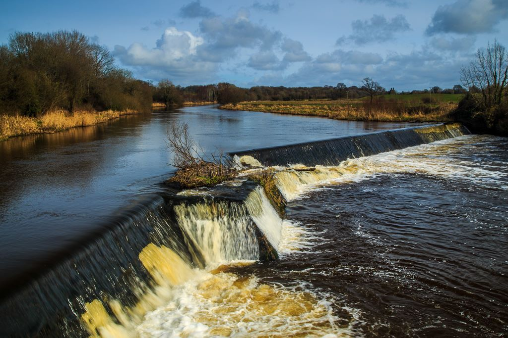 1055-Weir on River Brosna Belmont Offaly Ireland