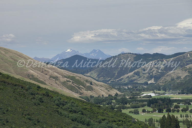 Mt Riley and Mt Sunday from Cullen Point