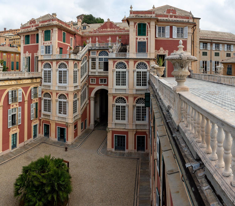 Genoa Palazzo Real2