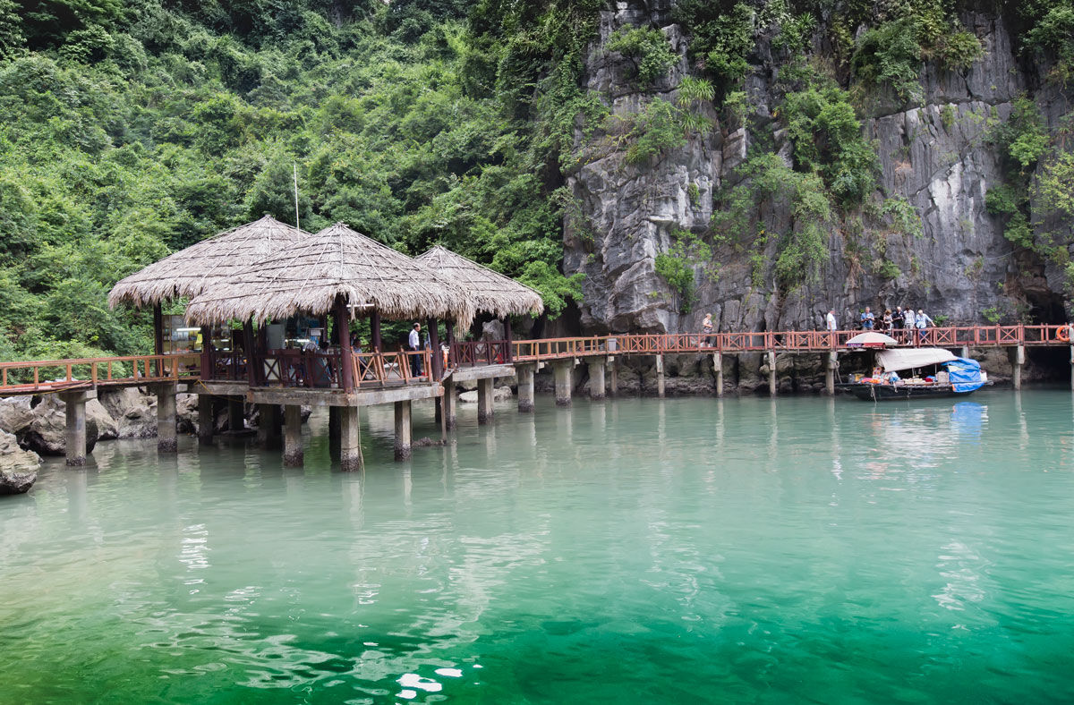 Walkway Haylong Bay