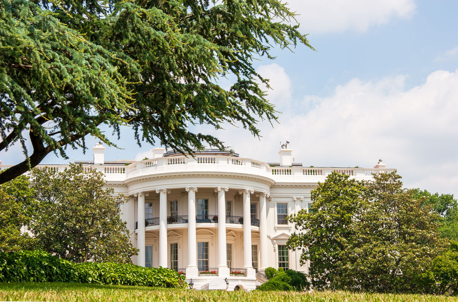 White House from front Lawn