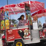 Ice cream lady, Cascais