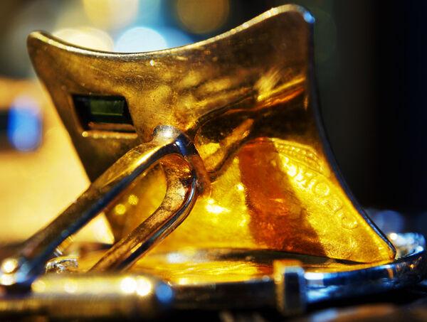 Gold cuff link