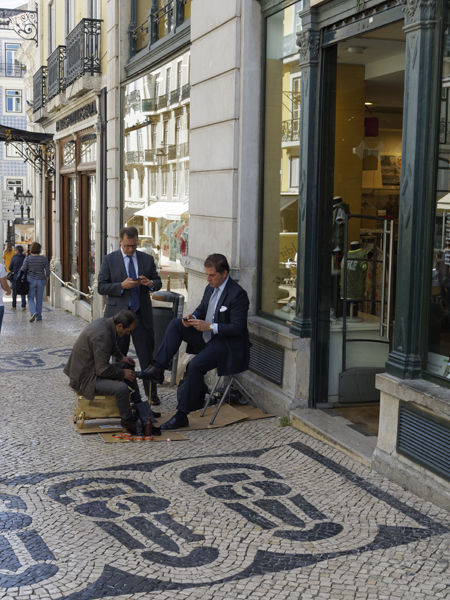 Shoeshine and clients