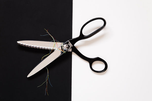 Scissors with thread