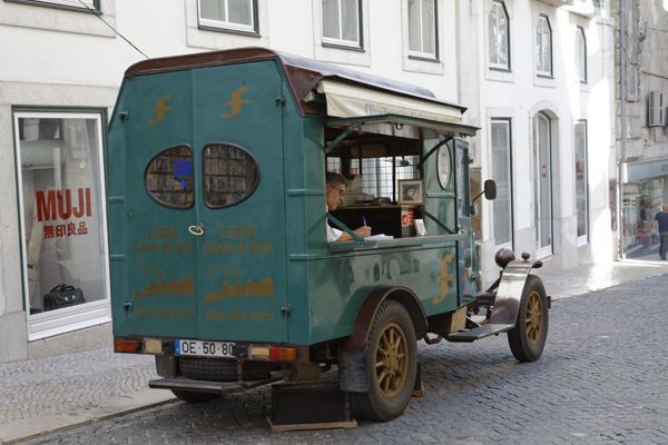 Man with old van, Lisbon