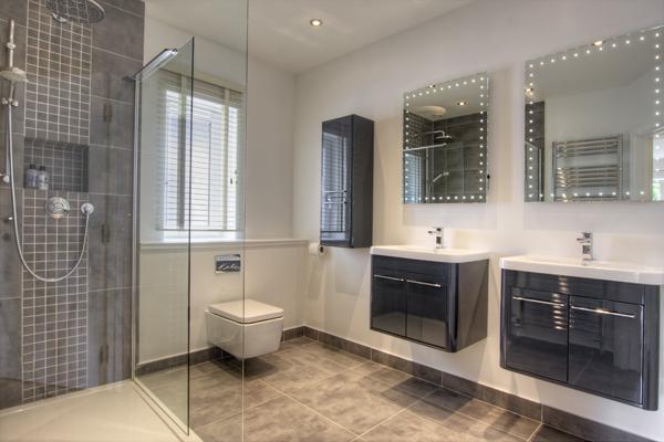 Interior Bathrooms 10