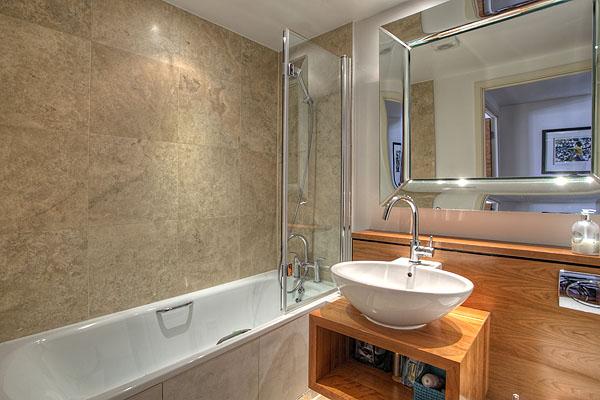 Interior Bathrooms 15