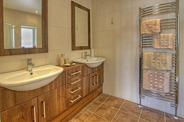 Interior Bathrooms 7
