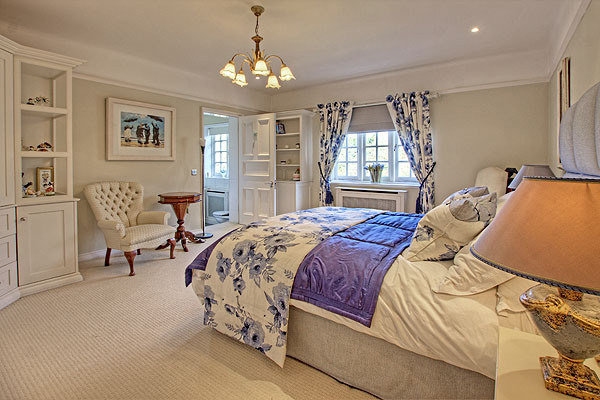 Interior Bedrooms 4