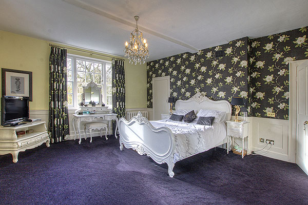 Interior Bedrooms 6
