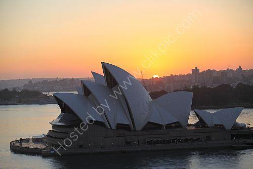 A Sydney 16