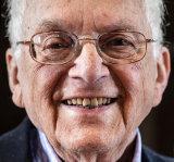 Freddie Knoller, 94, Holocaust Survivor