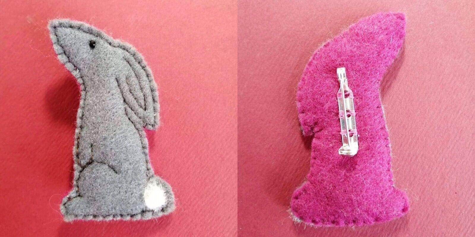 Grey/cerise hare brooch