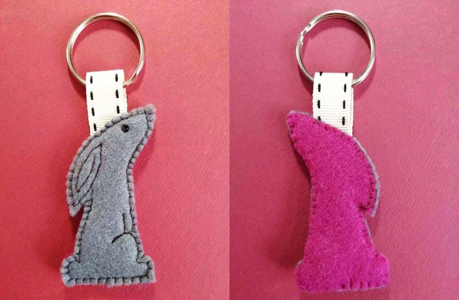 Grey/cerise Hare keyring