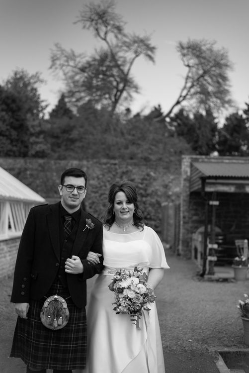 Gordon-Castle-Moray-Wedding-Photography-02