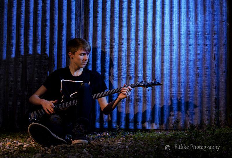 Logan Bass01