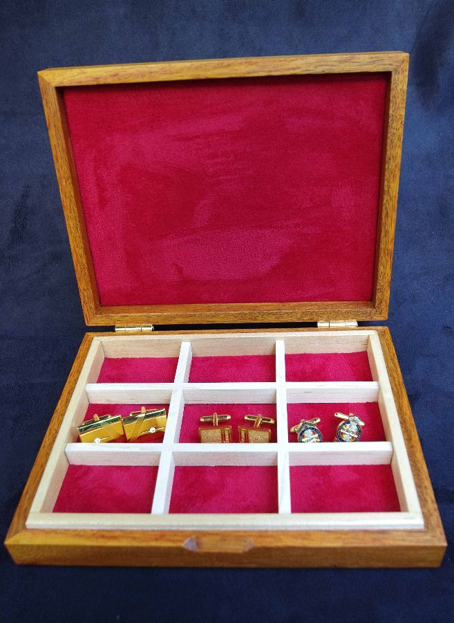 Cufflink-Box-Zebrano-Sunburst-Interior
