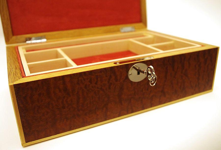 Pomelle-Sapele-Jewellery-Box-3