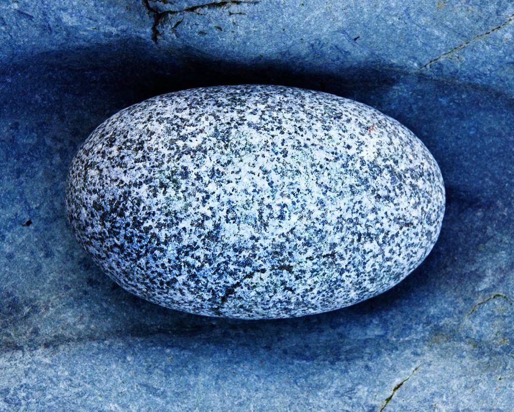 Granite egg