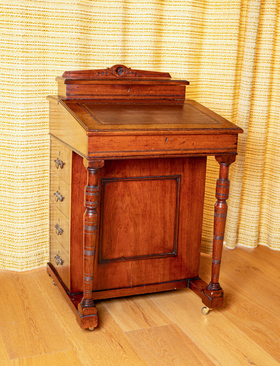 Late Victorian Mahogany ladies' Davenport Desk.