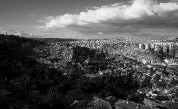 "Modern Ankara expanding towards the ""favela's"""