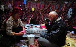 Staying with a familiy at Lake Son Kol