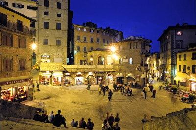 Piazza_della_repubblica_cortona