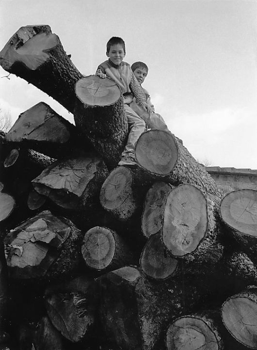 daniele and enrico on timber pile 1991