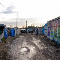 Calais Migrant Camp-009
