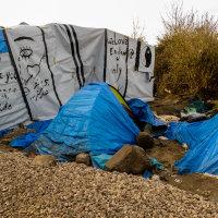 Calais Migrant Camp-013