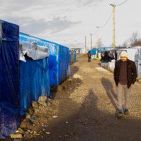 Calais Migrant Camp-014