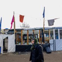 Calais Migrant Camp-032
