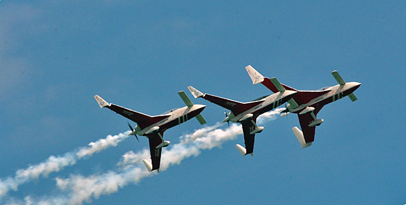 FORMATION FLYING BY PATROUILLE REVA