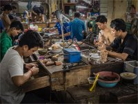 JEWELLERY MAKING IN KAMPOT COVERED MARKET