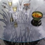 Beautiful table decorated with some champagne !