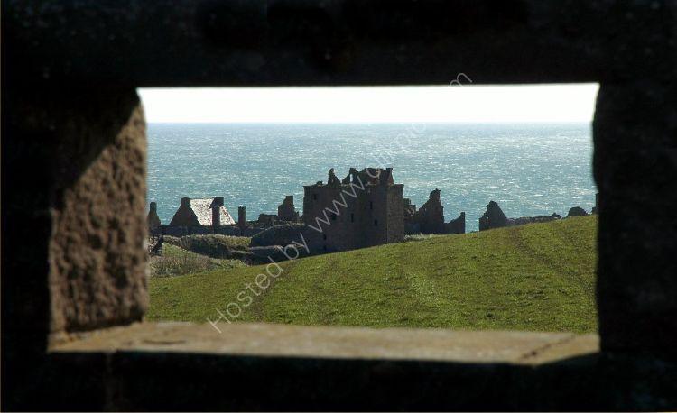 Castle - Dunnottar Castle (through the wall)