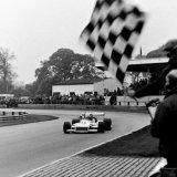 Ingliston Race - Norman Dickson (Car), ataking the Chequered Flag