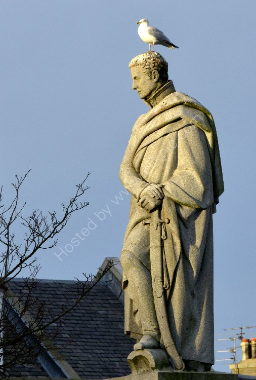 Monument - Fifth Duke of Gordon - (Statue located in Aberdeen) Some days I feel like a Seagull.... Today, I feel like a Statue...
